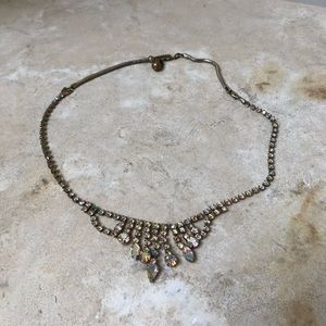 Jewelry - Vintage Crystal Necklace with extenders in GUC